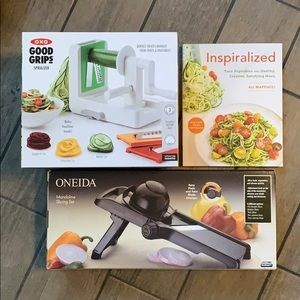 Inspiralized cook book and a Spiralizer
